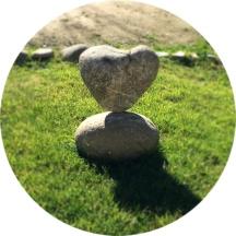 corazon piedra redondo